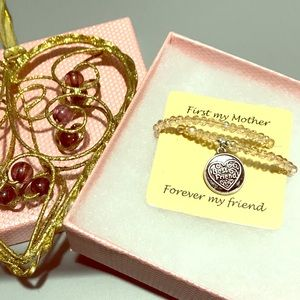 Beads Mother bracelet with a charm, NIB